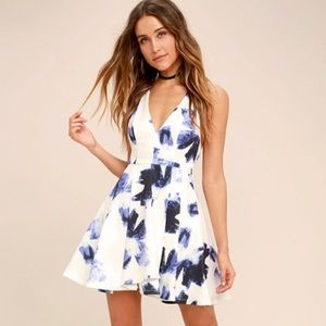 ✨ NWT Lulu's Seeing Chic Skater Dress ✨